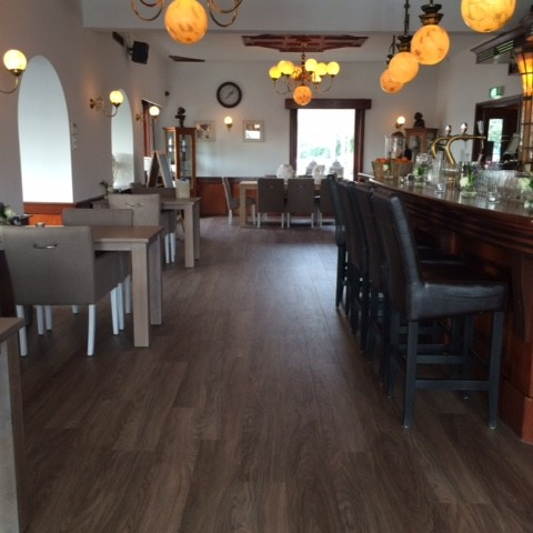 Project in Uithoorn restaurant met PVC stroken.