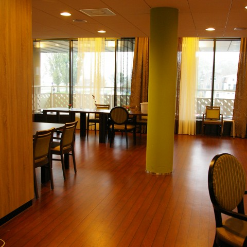 Projectstoffering in Gouda verzorgingstehuis met PVC vloeren.