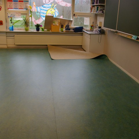 Projectstoffering in IJsselstein school marmoleum.